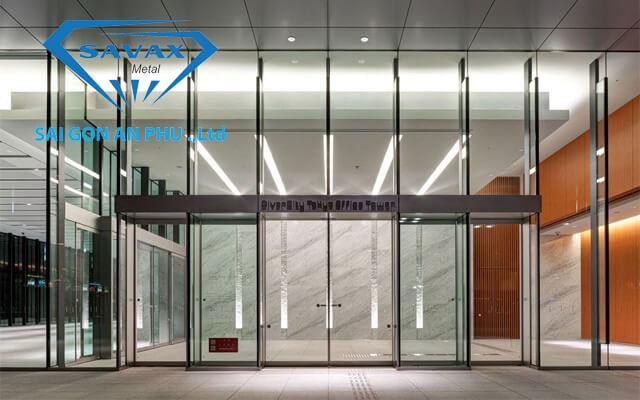Cửa kính khung inox cho sảnh tòa nhà