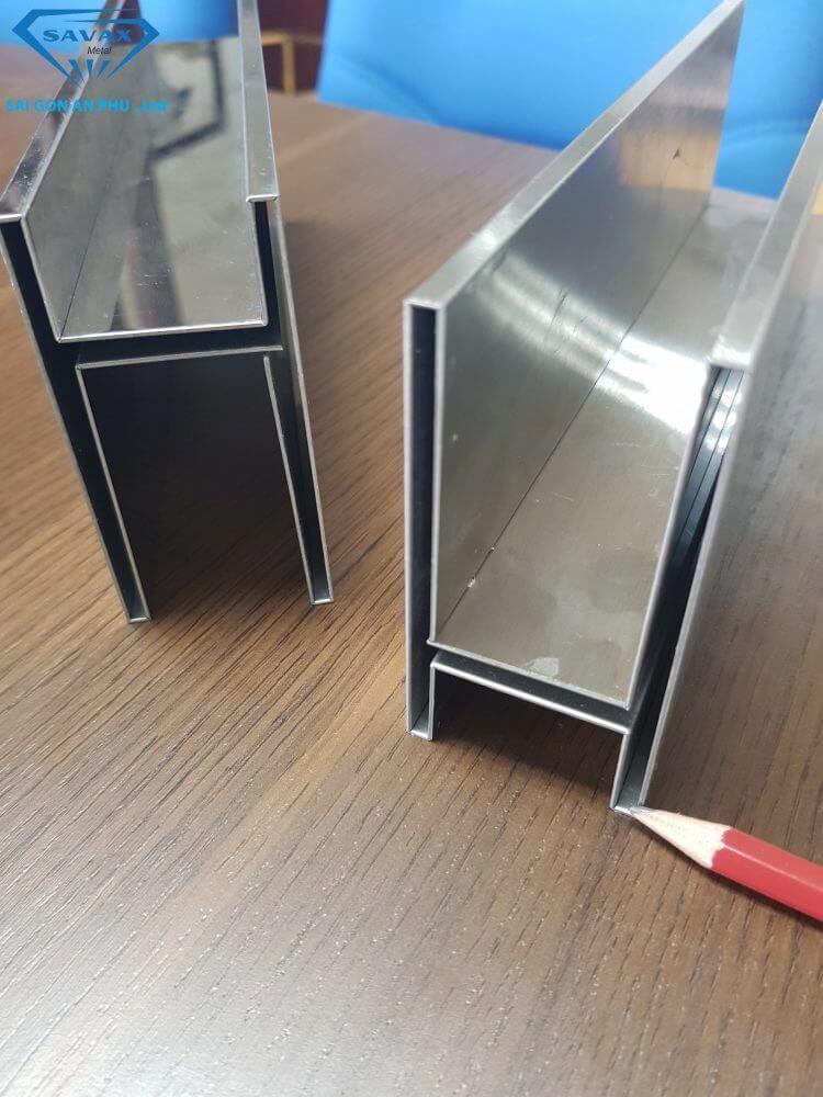 Sản phẩm mẫu của gia công chấn thép tấm tại Savax
