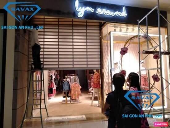Công trình thi công inox shop thời trang của Savax