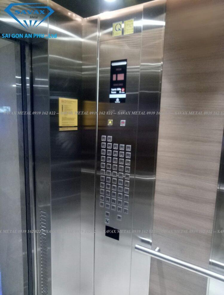 Bảng điều khiển và ốp thang máy inox bóng gương