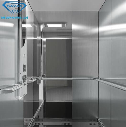 Thi công vách thang máy bằng inox bóng gương