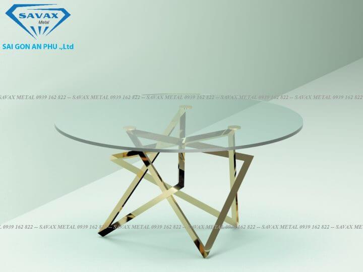 Chân bàn tam giác lồng mặt kính tròn