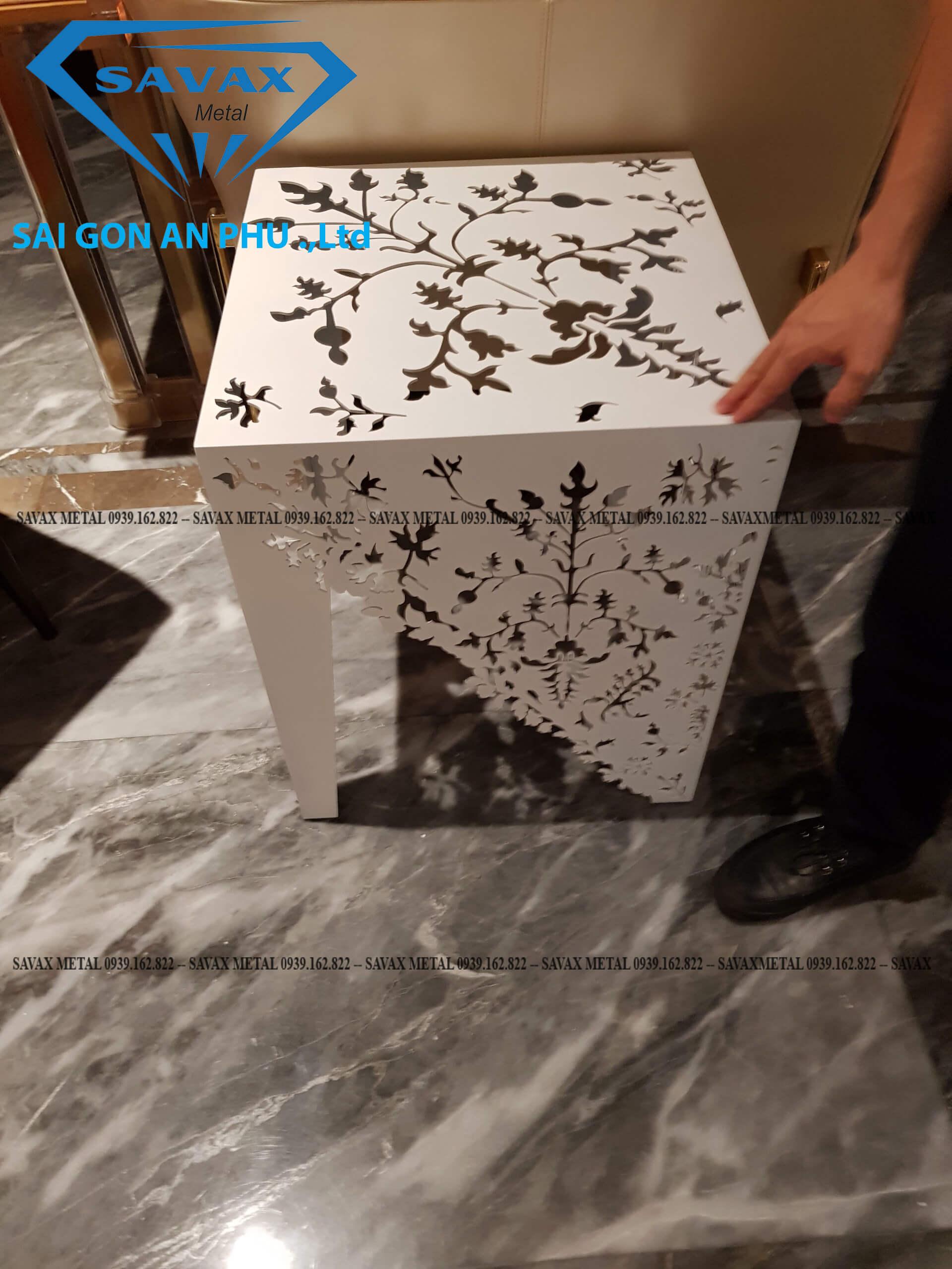 Mẫu bàn trang trí bằng phương pháp cắt laser kim loại