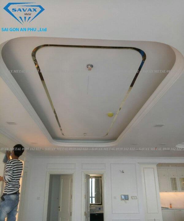 Mẫu nẹp inox trần nhà