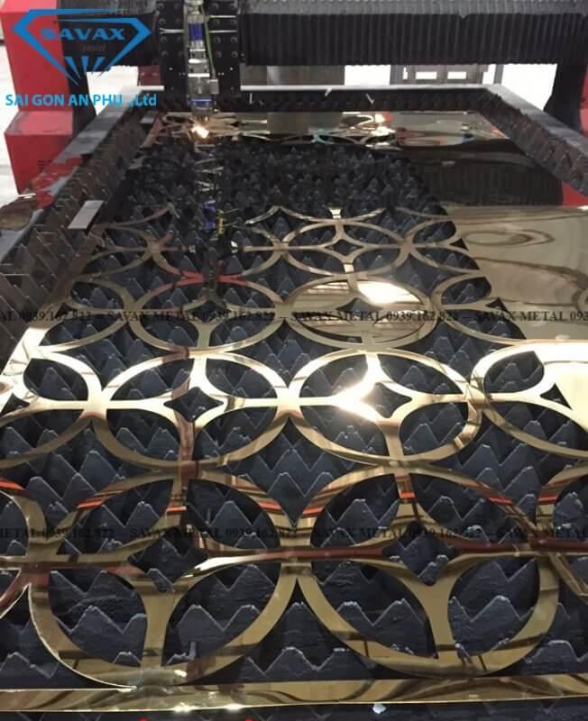 Máy cắt cnc inox tại xưởng Savax