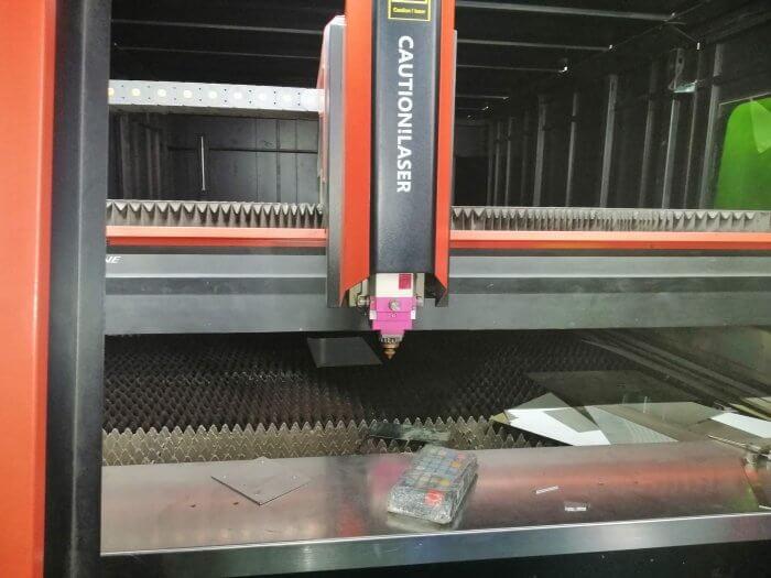 Cận cảnh máy Laser Fiber