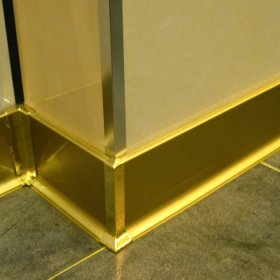 Mẫu nẹp chân tường inox mạ vàng
